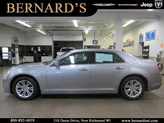 Pre-Owned 2017 Chrysler 300 C